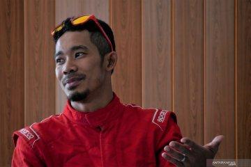 Atlet para-cycling M.Fadli terpincut balapan roda empat di Sentul