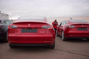 Tesla Model 3 dijual Rp700 jutaan di China