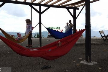 Objek Wisata Panorama Tabek Patah Andalan Sumbar Antara News Sulawesi Utara