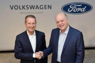 """Volkswagen akan pakai teknologi """"self-driving"""" Ford"""