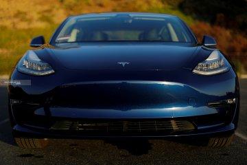 Tesla turunkan harga jual Model 3 menjadi Rp542 juta