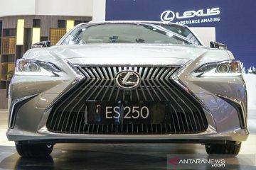 New Lexus ES 250 dibandrol Rp1,14 miliar