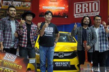 Juara kompetisi musik Brio