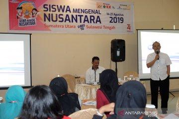 Penyampaian materi sejarah ANTARA kepada peserta SMN PTPN IV
