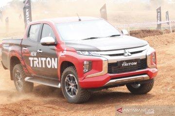 Menjajal New Triton bareng juara Paris Dakar Hiroshi Masuoka