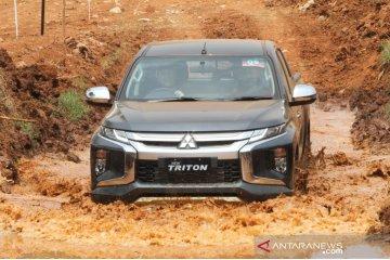 Triton kuasai pasar kendaraan kabin ganda 4x4