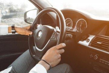 Cara membuat peredam suara bising kabin mobil di rumah