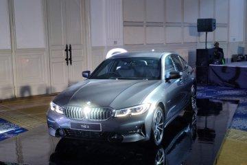 BMW 330i Sport, mobil rakitan Indonesia di bawah Rp1 miliar
