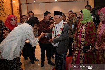 """Ma'ruf Amin sampaikan satire soal """"garis tangan"""" jabatan menteri"""