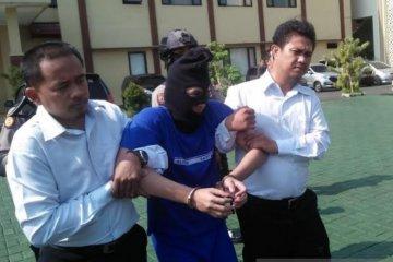 Polisi tangkap tersangka pelaku pembunuhan sopir taksi online di Bogor