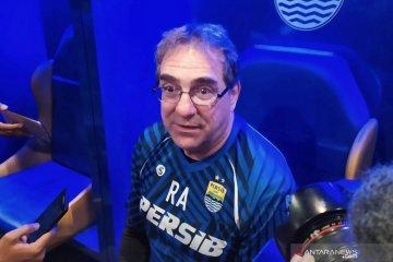 Robert Alberts putar otak jaga kondisi mental pemain Persib Bandung