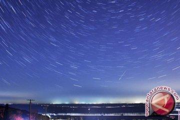 Puncak hujan meteor teramati lewat tengah malam sampai subuh