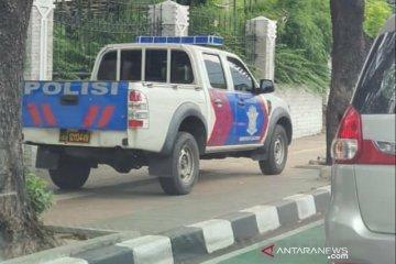 Polres Jakpus akan tindak tegas petugas yang parkir mobil di trotoar