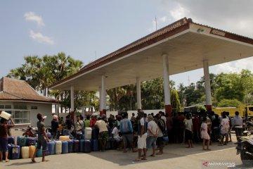 Antrean BBM masih terjadi di Kupang