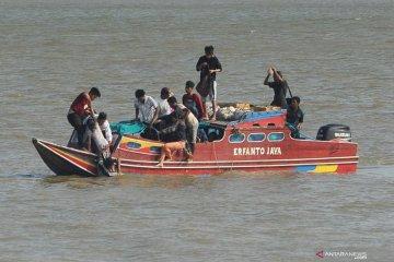 Penyelamatan korban kecelakaan di Jambi
