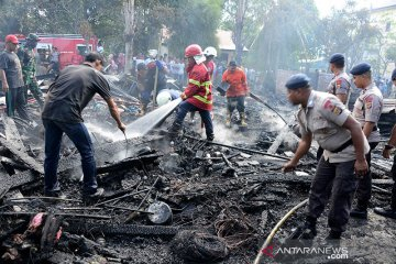 Lima unit rumah terbakar
