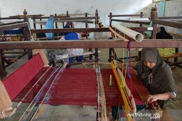 Songket Aceh kesulitan pemasaran