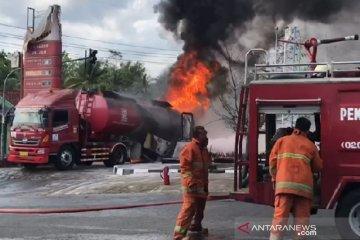 Truk tangki BBM terbakar di SPBU Kota Banjar saat bongkar muatan