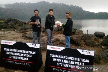 PT HPM serahkan 200 kg bibit ikan di Danau Situ Patenggang