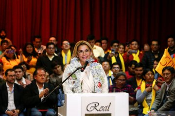 Presiden Bolivia Jeanine Anez positif terinfeksi virus corona