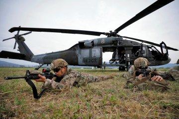 Ledakan bom mobil di pangkalan militer Kolombia melukai 36 orang