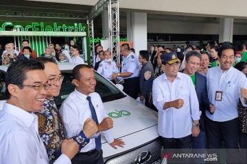 Kemenhub akan pesan 100 mobil listrik sebagai kendaraan dinas