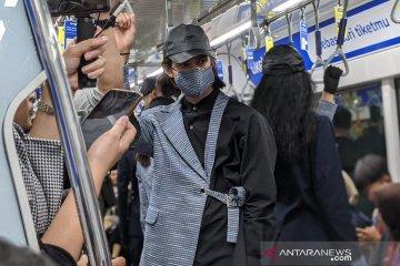 """Kemarin, """"#BERHENTIDIKAMU"""" jadi film hingga peragaan busana di MRT"""