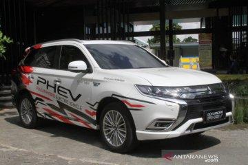 Mobil PHEV masuk duluan di Indonesia, ini kata MMKSI