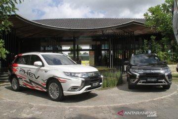 Sensasi berpetualang baru dengan Outlander PHEV di Banyuwangi
