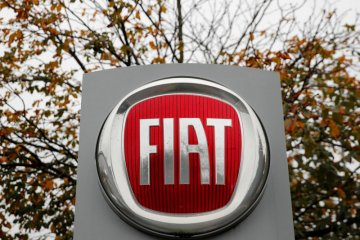 Fiat batasi kunjungan pabrik karena kasus corona