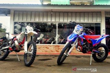 Spesifikasi Beta RR 30 2T dan Xtrainer 300 2T