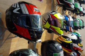 "Cegah COVID- 19, RSV Helmet tidak izinkan konsumen ""fitting"" helm"
