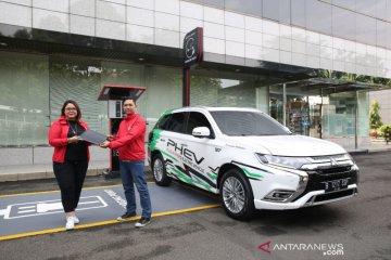 Mitsubishi Outlander PHEV jadi armada transportasi online