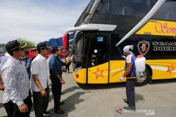 Penyemprotan Disinfektan Bus Antar Provinsi