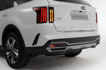 Kia Sorento generasi keempat tersedia opsi hybrid dan diesel