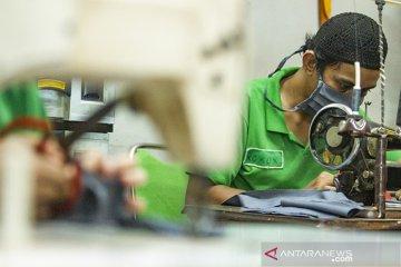 Produksi masker di lapas Purwakarta