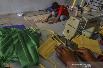 Produksi masker