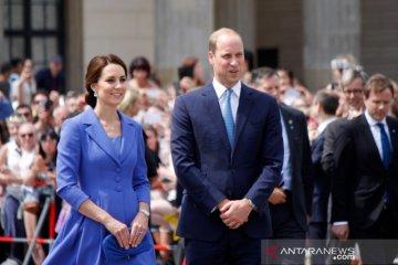 Pangeran William dan Kate beri kejutan anak-anak sekolah lewat video