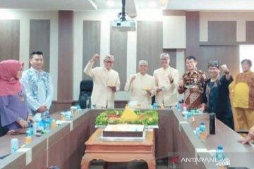 Wali Kota Sukabumi dan Wakilnya sumbangkan empat bulan gaji tangani COVID-19