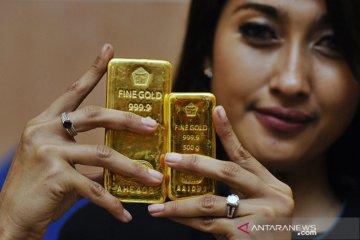 Harga emas Antam turun Rp17.000, menjadi Rp946.000 per gram
