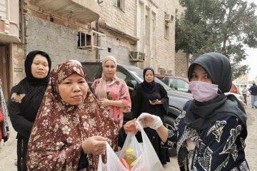WNI pekerja informal di Kuwait terima bantuan bahan pangan dari KBRI