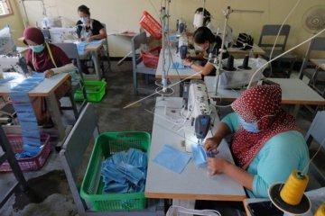 Pemenuhan permintaan masker di Bali