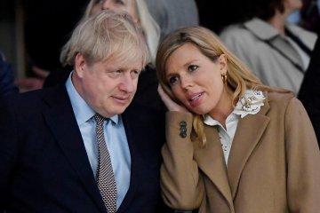 Tunangan PM Inggris yang hamil miliki gejala COVID-19