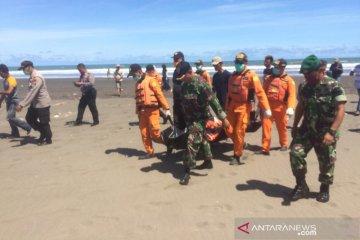 Nelayan yang hilang ditemukan meninggal di Pantai Tasikmalaya