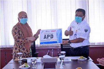 Pindad serahkan bantuan 1.000 APD bagi tenaga medis Pindad Medika Utama
