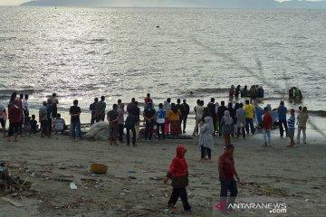 Keramaian pantai wisata ditengah pandemi COVID-19
