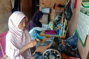 Baznas Yogyakarta salurkan 20.000 masker produksi kampung binaan
