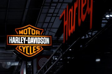 Berhemat selama corona, Harley Davidson potong gaji bos dan karyawan