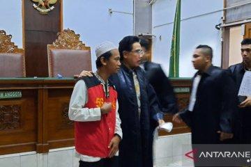 JPU tuntut pengemudi taksi daring tiga tahun penjara