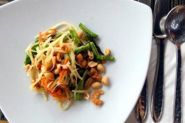 Resep Som Tam, salad Thailand segar untuk berbuka puasa